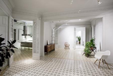 Reforma de un apartamento en barcelona el tornillo que for Ideas para reformar un piso antiguo