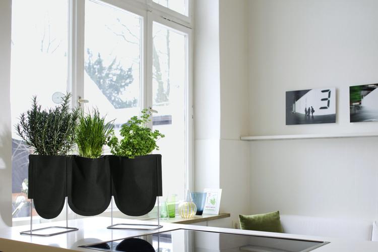 Huerto urbano el tornillo que te falta for Articulos para decorar interiores