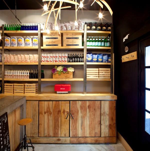 Ovejas negras un bar vintage en sevilla el tornillo que for Bar madera sevilla
