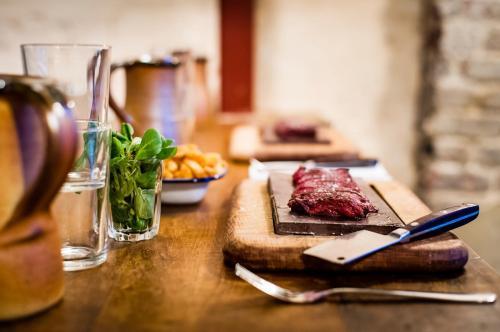 Flat Iron Steak (6)