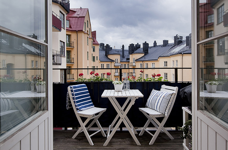 Ideas para una peque a terraza el tornillo que te falta - Como iluminar una terraza ...
