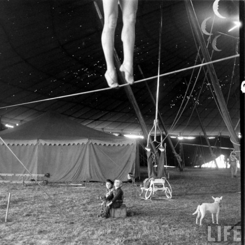 circus girls by Nina Leen (14)