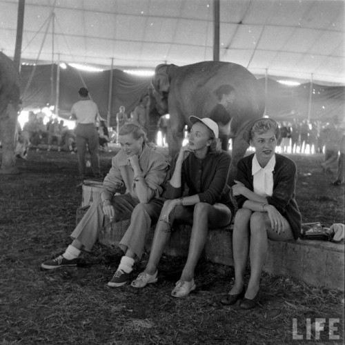 circus girls by Nina Leen (15)