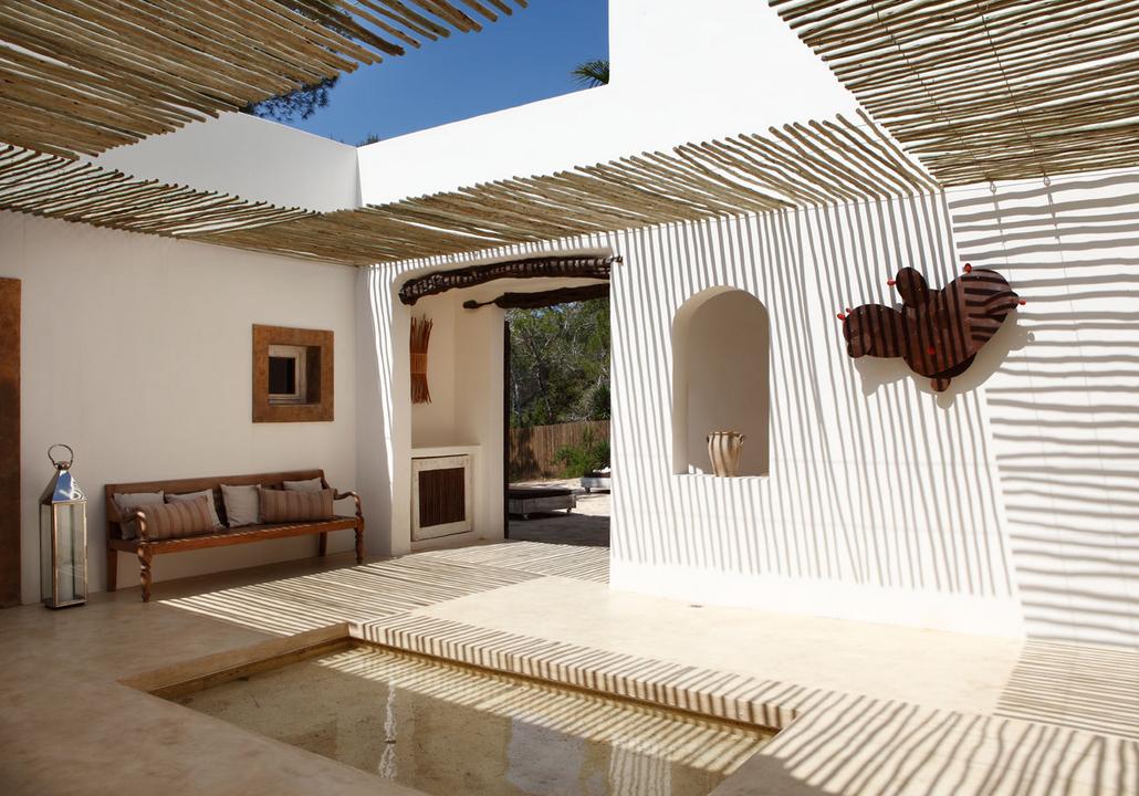 nos vamos a Formentera , a disfrutar de la primavera en esta casa