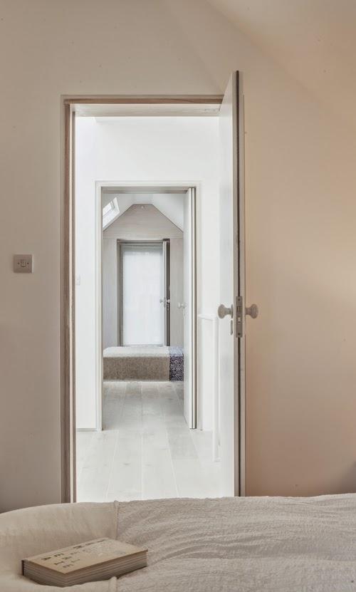 Una casa minimalista (9)