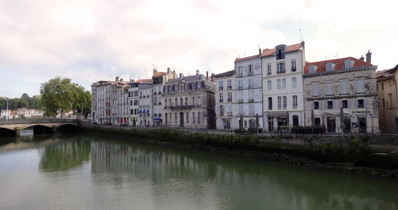 Escapada a francia san juan de luz y baiona el tornillo for Francia cultura gastronomica
