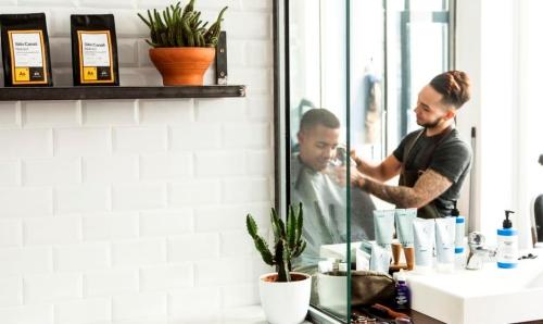V Barber and Shop (3)